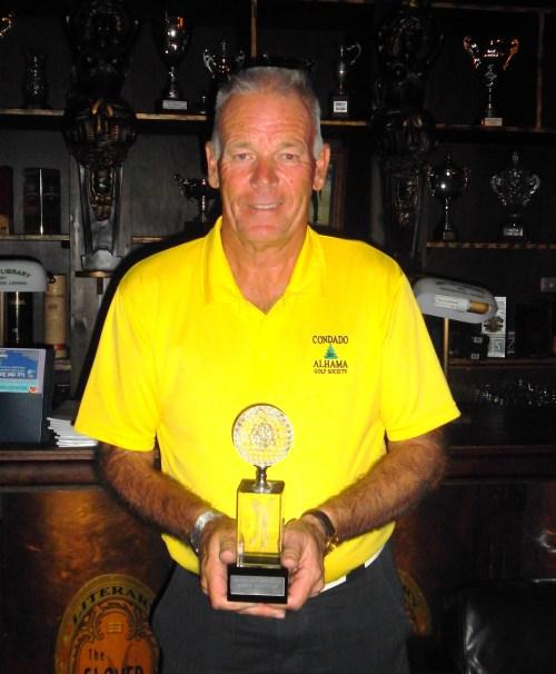 Graham with the Mar Menor challenge trophy.......