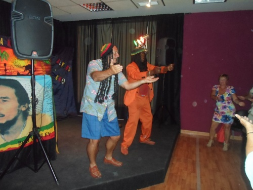 the welsh/geordie sings Bob Marley........