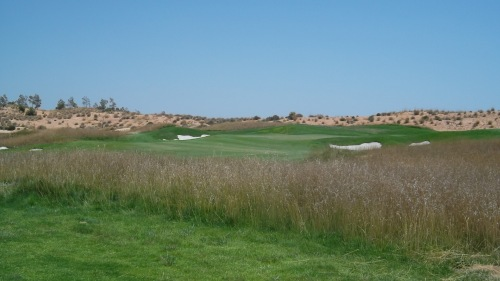 another view of the very difficult 10th (stroke index 13?)...........