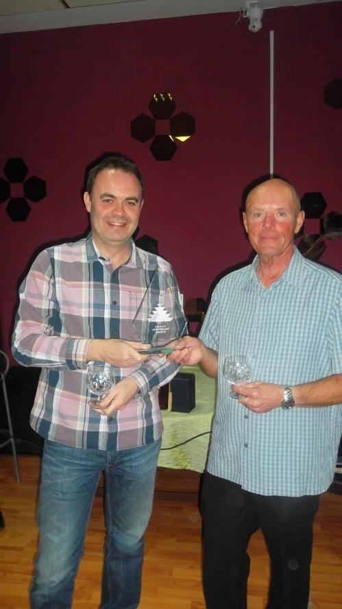Simon & Mick win the top prize.......